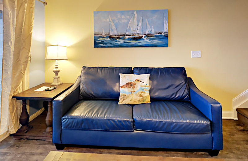 Put-in-Bay Waterfront Condos Living Room