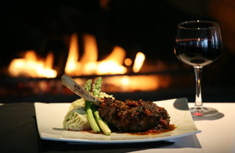 Fine dining at Bay Pointe Inn.