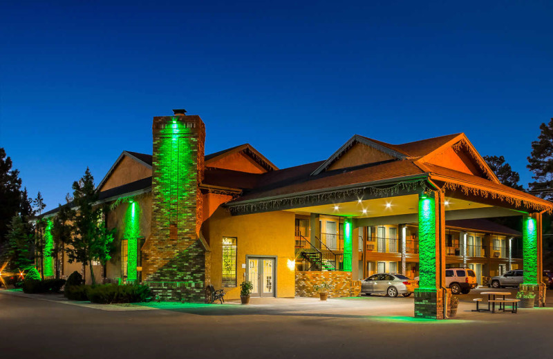 Exterior view of Quality Inn Pinetop.