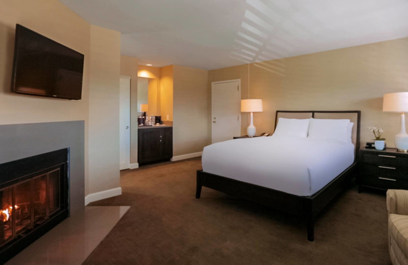 Guest room at Cupertino Hotel.
