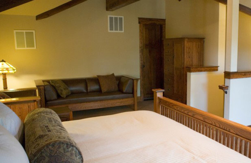 Guest room at FivePine Lodge.