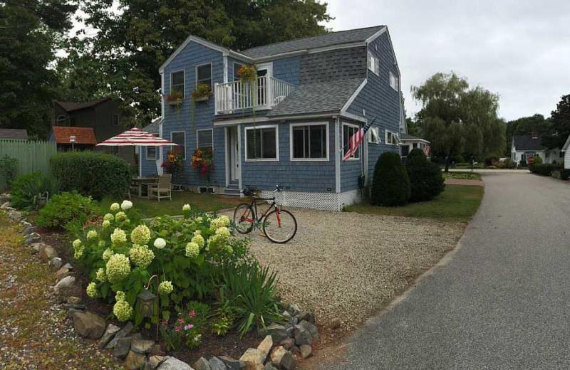 Guest cottage at Footbridge Beach Motel.