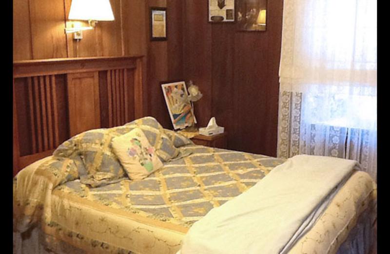 Guest room at Fairview Manor B & B Inn.