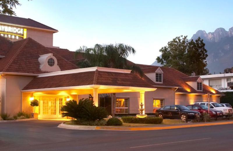 Exterior view of Staybridge Suites Monterrey-San Pedro.