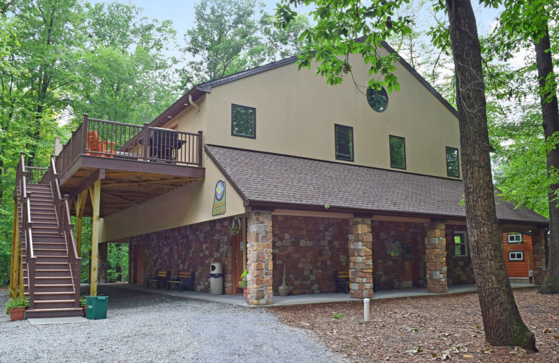 Lodge exterior at Yogi Bear's Jellystone Park Quarryville.