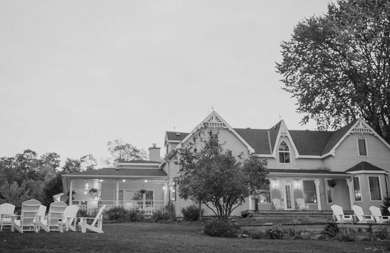 Historic Port Cunnington Lodge & Resort.