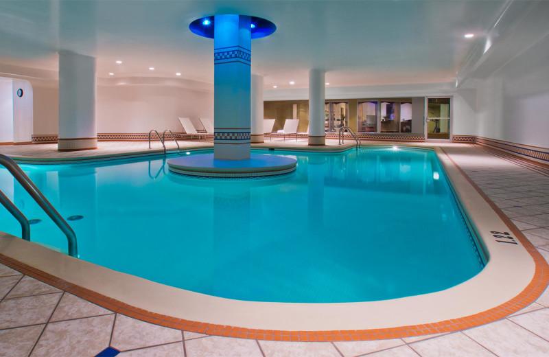 Indoor pool at Hôtel Manoir Victoria.