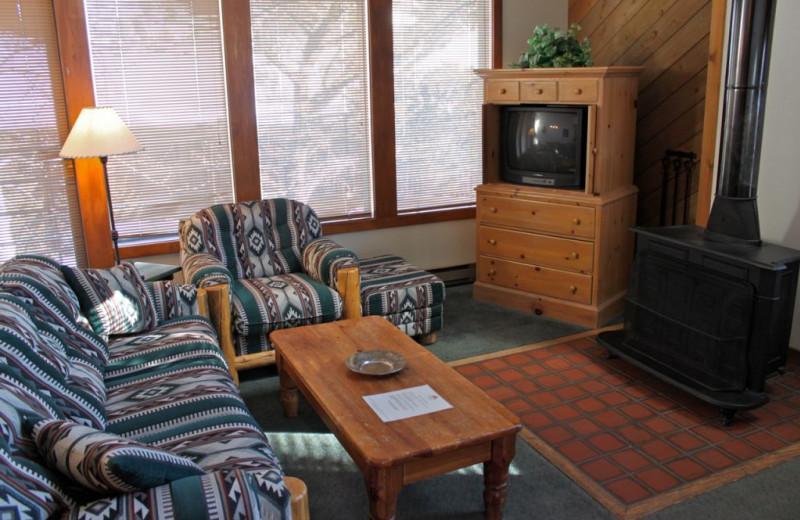 Guest living room at Rock Creek Resort.