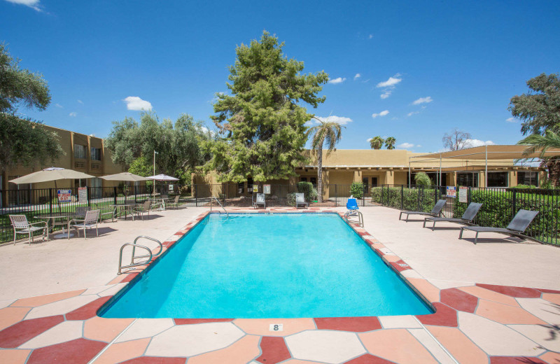 Outdoor pool at Days Hotel Peoria Glendale Area.
