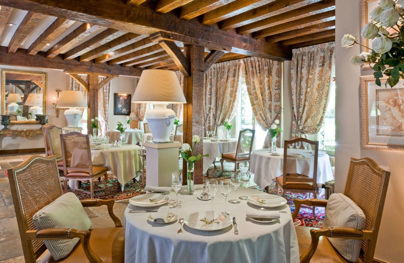 Dining at Auberge des Templiers.
