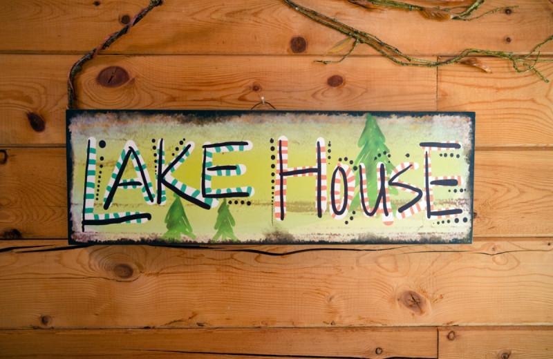 Cabin sign at Kel's Kove.