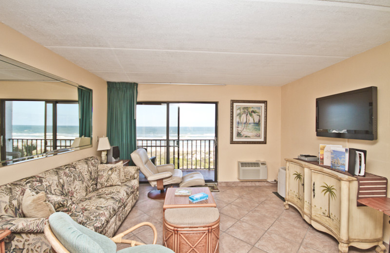 Suite living room at Beacher's Lodge Oceanfront Suites.