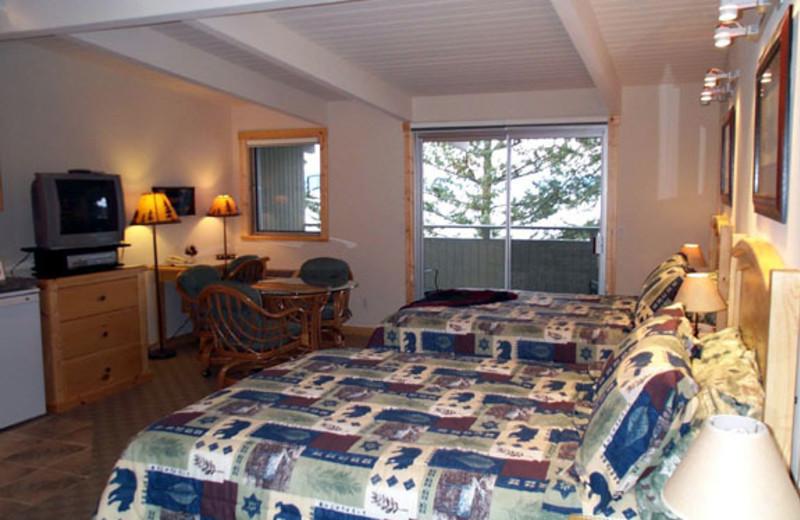 Guest room at Many Springs Flathead Lake Resort.