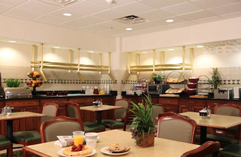Dining area at Homewood Suites by Hilton Dallas-Grapevine.