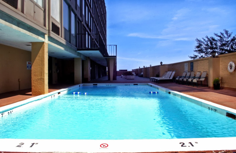Outdoor pool at Best Western Grant Park Hotel.