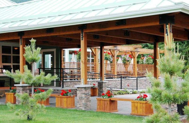 Entrance at Honeymoon Bay Lodge & Retreat.