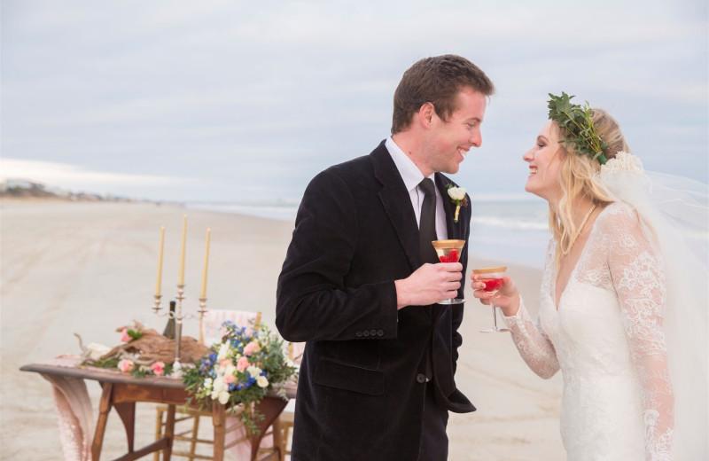 Wedding couple at Islander Hotel & Resort.