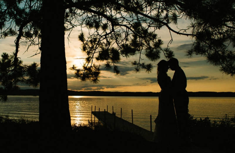 Romantic evenings at Madden's on Gull Lake.
