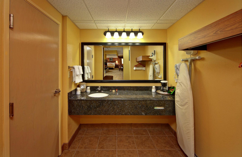 Guest bathroom at Old Creek Lodge.