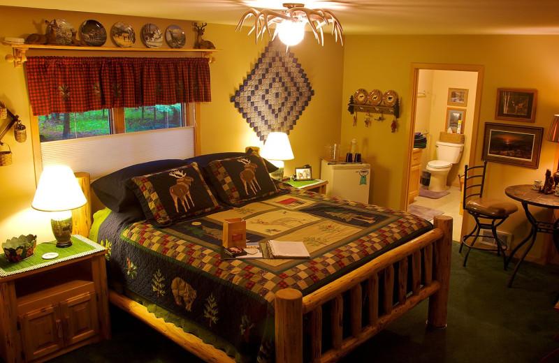 Guest room at Candlewycke Inn Bed & Breakfast.