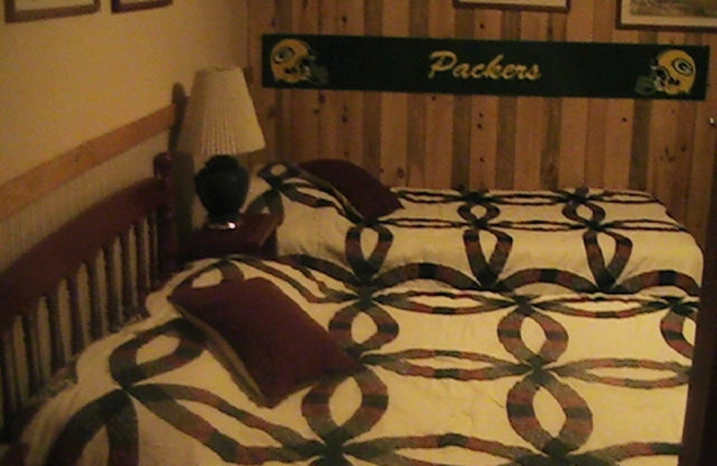 Guest room at Rusk Lodging.