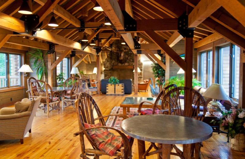 Dining & lounge area at Drummond Island Resort.