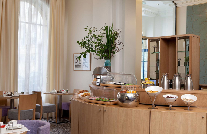 Breakfast at Regetel - Hotel Corona Opera.