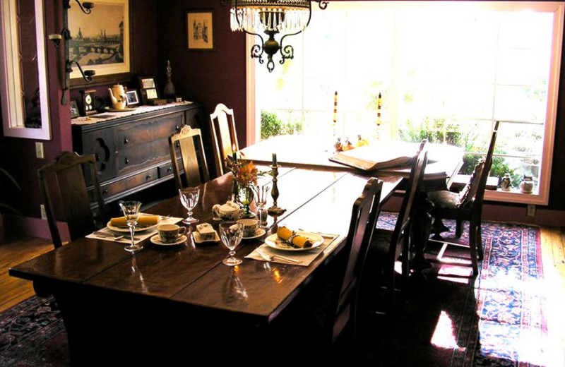 Dining room at Meadow Creek Ranch Bed & Breakfast.