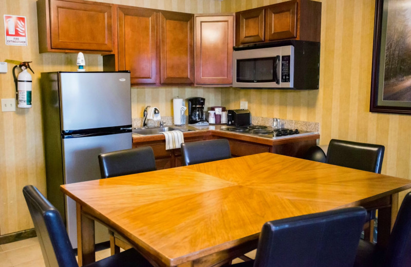 Guest kitchen at Water's Edge Inn & Conference Center.
