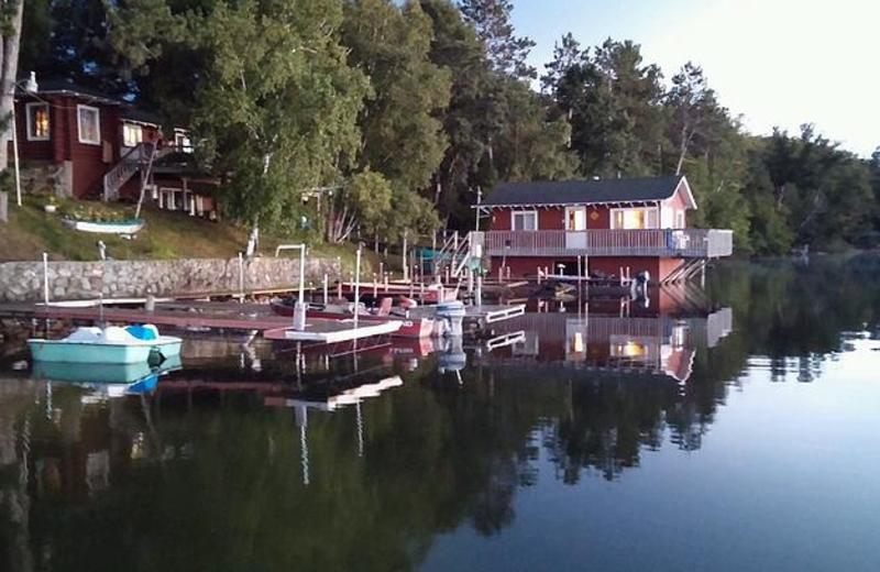 Cabins on the Lake at Beauty Bay Lodge & Resort