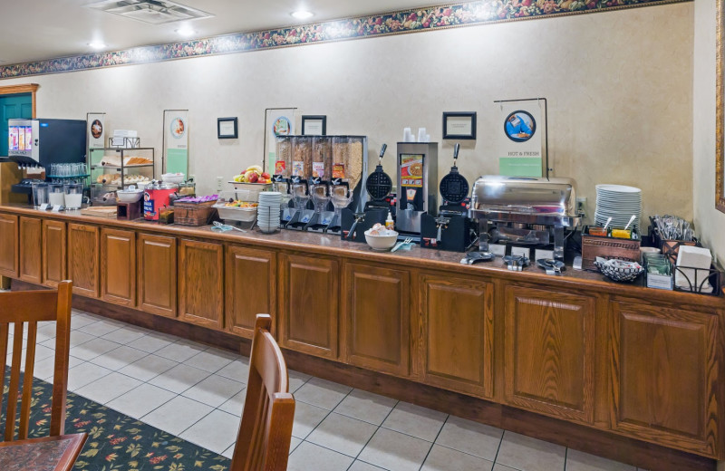 Breakfast buffet at Country Inn & Suites Chambersburg.