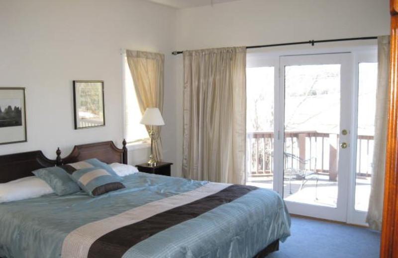 Rental bedroom at Jefferson Landing.