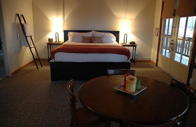 Guest room at Davenport Bed & Breakfast Inn.