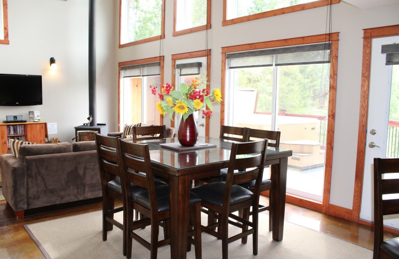 Rental dining room at Cedar House Restaurant & Chalets.