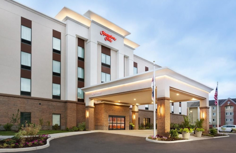 Exterior view of Hampton Inn North Olmsted.