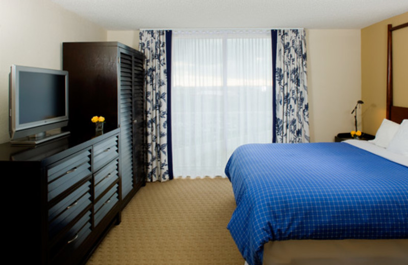 Guest room at Sheraton Suites Cypress Creek Ft. Lauderdale.