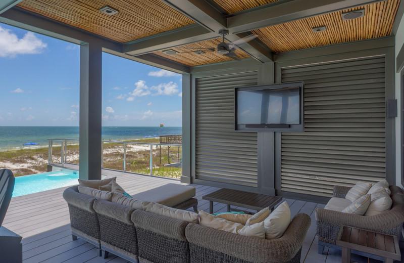 Rental patio at No Worries Vacation Rentals.