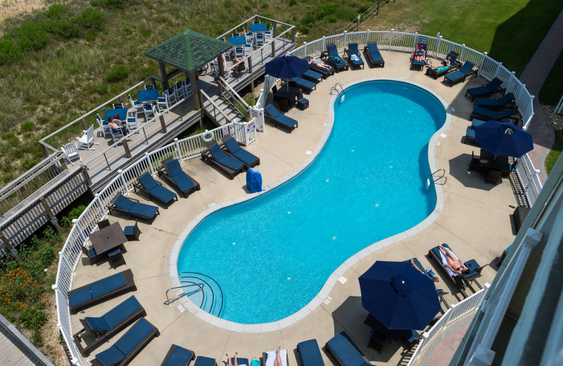 Outdoor pool at Hilton Garden Inn Outer Banks/Kitty Hawk.