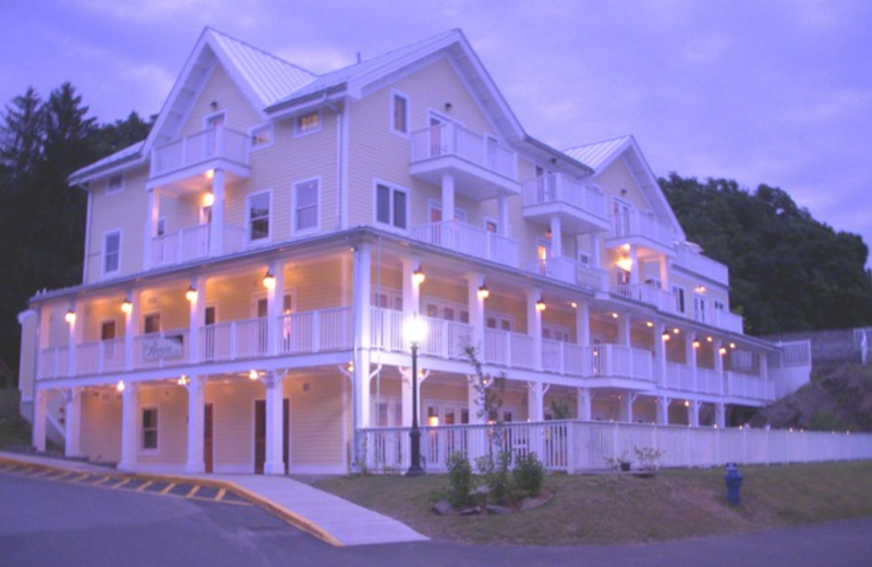 Exterior view of The Rhinecliff Hotel.