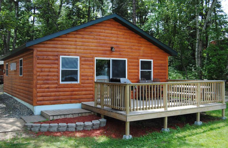 Cabin exterior view of Sandy Pines Resort.