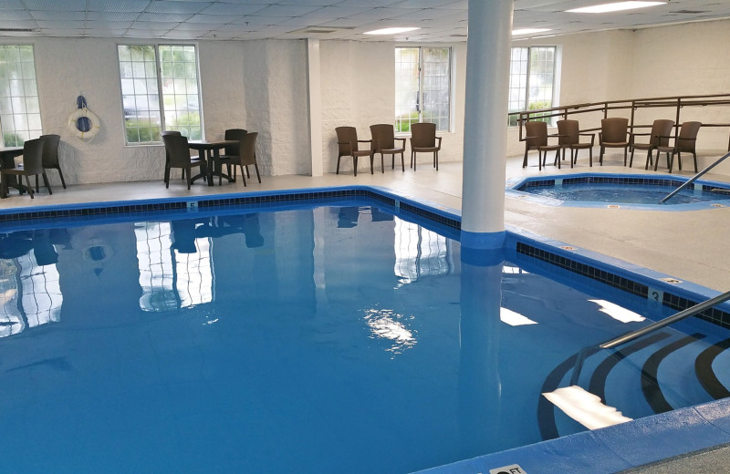 Indoor pool at Charlevoix Inn & Suites.