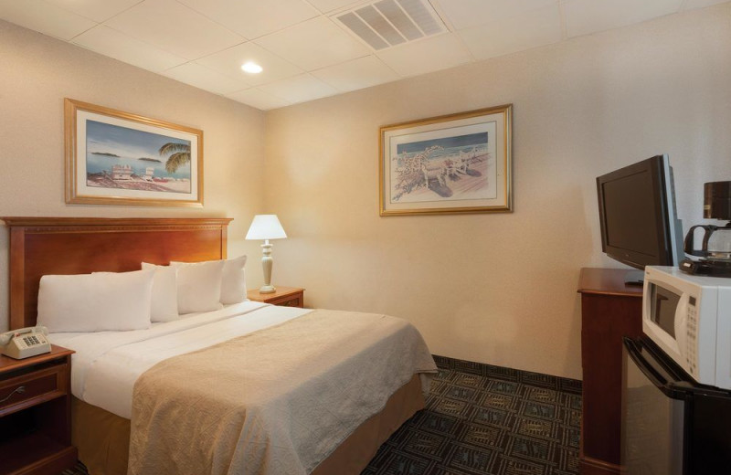 Guest room at Quality Inn Boardwalk Ocean City.