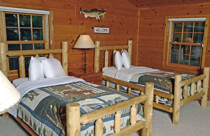 Cabin bedroom at The Beacons of Minocqua.