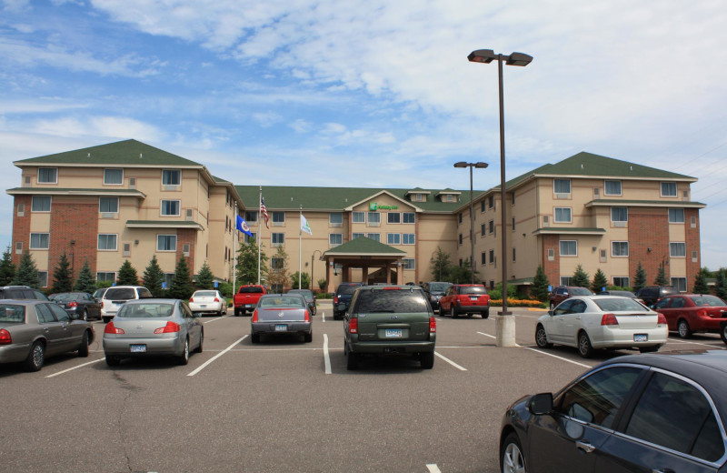 Exterior view of Wild Woods Indoor Water Park Holiday Inn.