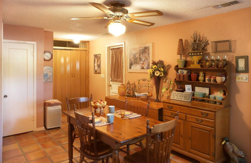 Kitchen and dining area at Acorn Bed & Breakfast