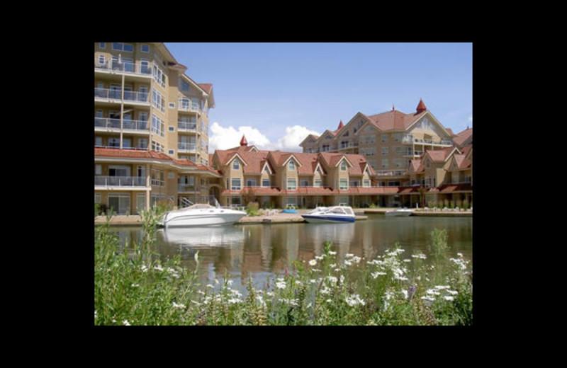 Exterior view of Kelowna Resort.