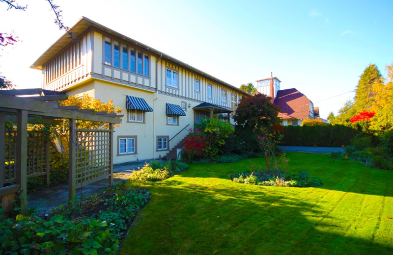 Exterior view of Oak Bay Guest House.