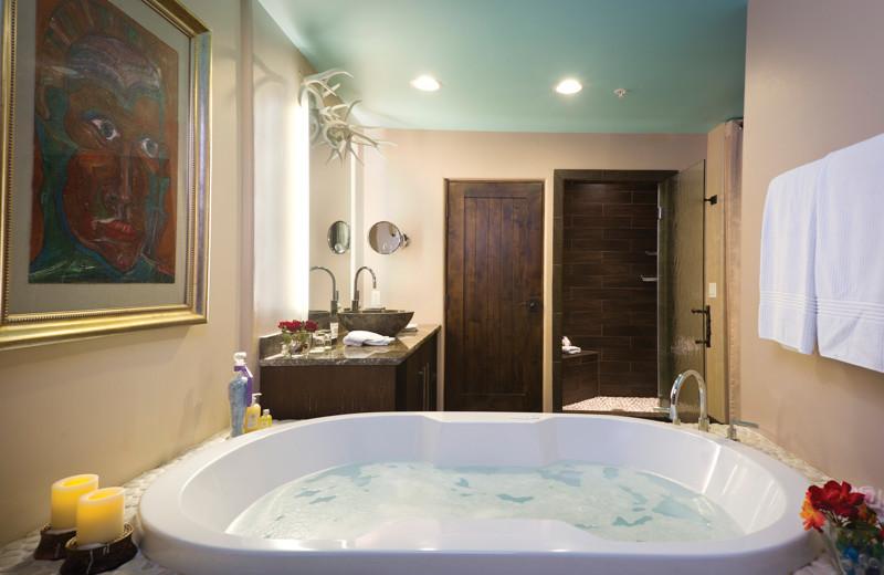 Hot tub at El Monte Sagrado.