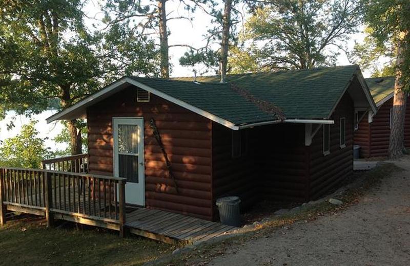 Cabin Accommodations at Beauty Bay Lodge & Resort