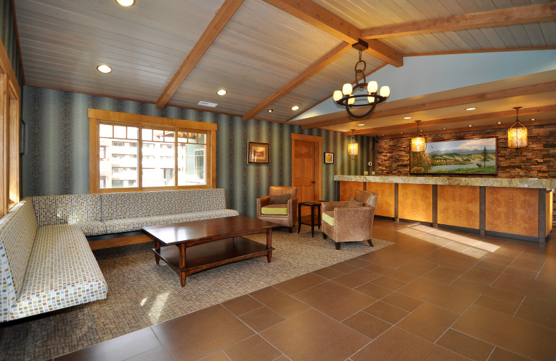 Lobby area at Lakeside Lodge & Suites.